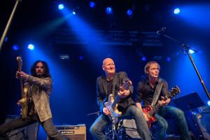De gjorde en humoristisk gjennomgang av gitarhistorien. F.v. Skjalg Raaen, Frode Alnæs og Torstein Flakne (Foto: Geir Anders Rybakken Ørslien).