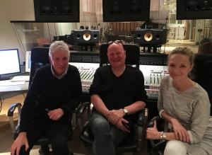 Frode sammen med Jan Erik Kongshaug fra Rainbow Studio AS og Hilde Norbakken.